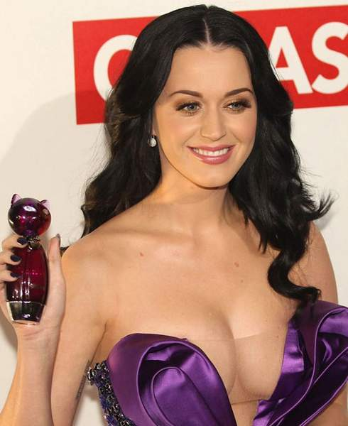 Escote de Katy Perry.