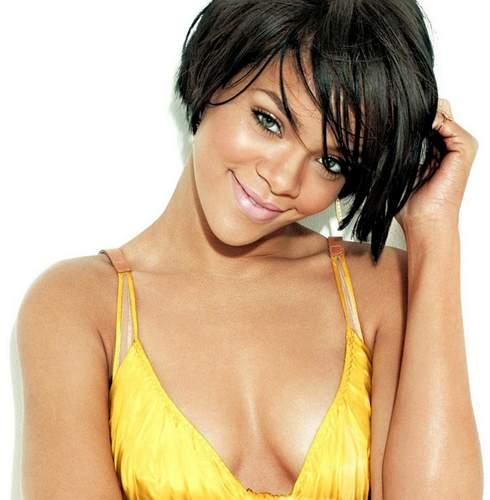Escote de Rihanna.