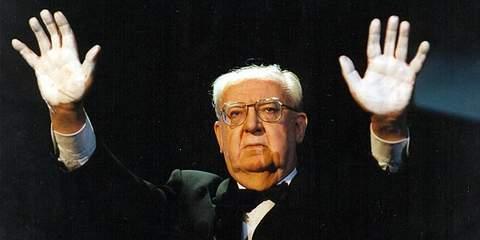 Jose Luis Borau en los Premios Goya 1998.