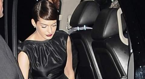 Anne Hathaway sin ropa interior.