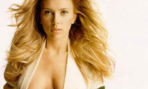 Scarlett Johansson muy Sexy.