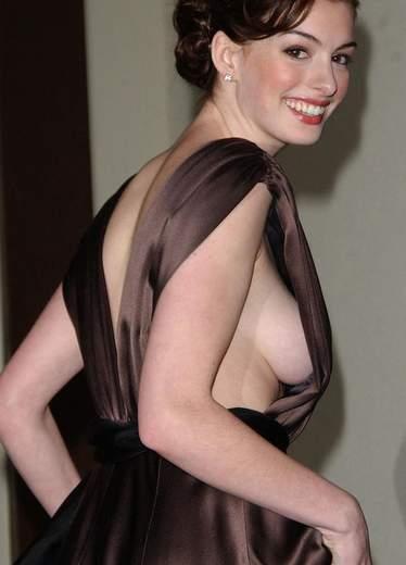 Anne Hathaway desnuda.