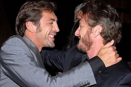 Javier Bardem y Sean Penn en The Last Face