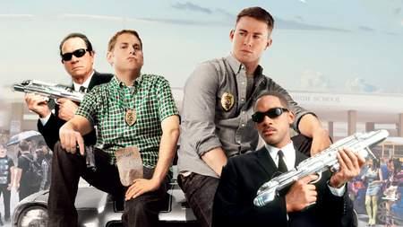 crossover-infiltrados-en-clase-men-in-black