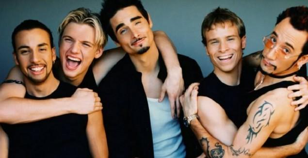 Los Backstreet Boys en una de zombies futurista